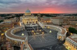Ватикан создал Всемирный Траст, используя свидетельство о рождении